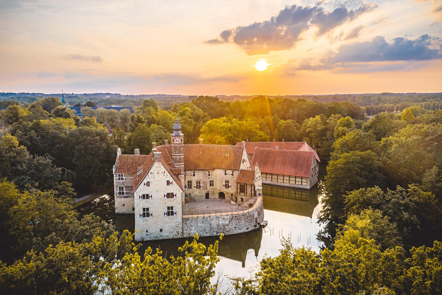 Burg Vischering – Dortmund-Ems-Kanal Runde von Senden
